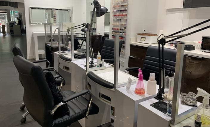 Manicure Station Protection Panel
